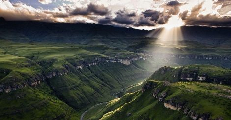 Oh Sweet Mountains, Amazing Drakensberg Timelapse (video)